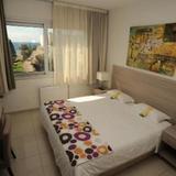 Frixos Suites Hotel Apartments — фото 1