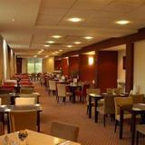 Гостиница Premier Inn London Stansted Airport — фото 3