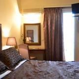 Queens Leriotis Hotel — фото 3