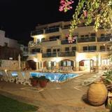 Petra Beach Hotel — фото 2