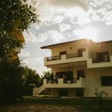 Alexandra Apartments — фото 1