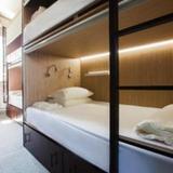 Buran capsule hotel — фото 1
