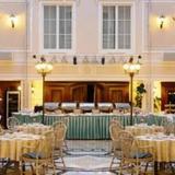 Гранд Отель Эмеральд — фото 1
