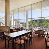 Гостиница Homewood Suites By Hilton University City — фото 1