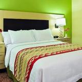 Гостиница TownePlace Suites Tampa Westshore — фото 3